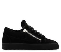 GAIL Low Top Sneakers