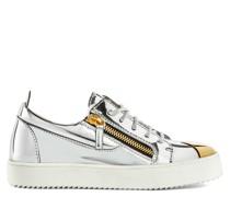 GAIL STEEL Low Top Sneakers