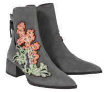 EMBROIDERED ATTITUDE embroidered chelsea boot, 5 cm
