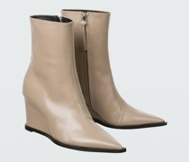 SOPHISTICATED CHIC wedge point bootie 7cm