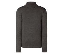 Rollkragen-Pullover mit feinen Streifen