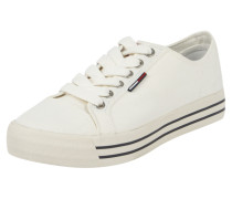 Sneaker aus Coloured Denim