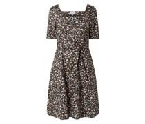 Kleid mit gesmoktem Einsatz Modell 'Nucharlotta'