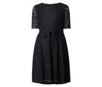 Kleid aus Spitze mit Taillengürtel
