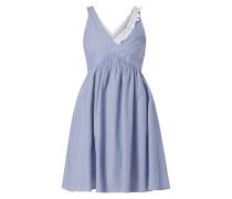 Kleid mit Rüschenbesatz