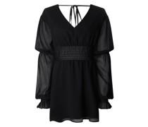Matiamu By Sofia x NA-KD Kleid aus Krepp