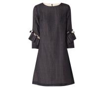 Kleid aus Mesh mit grafischem Muster