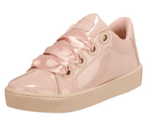 Sneaker in Lackoptik