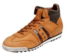 Sneaker aus Leder mit Nietenbesatz in Sternform