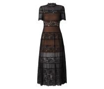 Kleid mit Kontrasteinsätzen aus Spitze