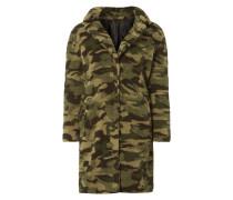 Mantel aus flauschigem Material