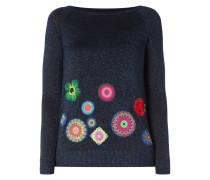 Pullover mit Stickereien und Aufnähern