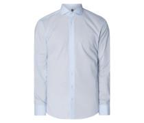 Slim Fit Business-Hemd mit Stretch-Anteil und Haifischkragen