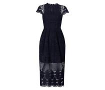 Kleid aus Häkelspitze mit Taillenpasse