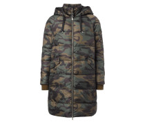 Steppmantel mit Camouflage-Muster