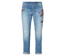 Jeans im Used Look mit Aufnähern