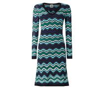 Kleid mit wellenförmigem Muster