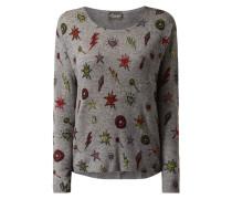 Pullover mit eingestrickten Motiven