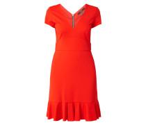 Kleid mit V-Ausschnitt und Volantsaum