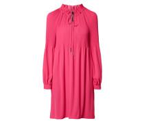 Kleid mit Plisseefalten