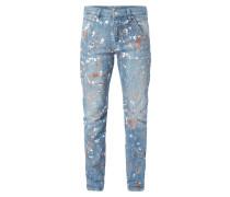 Boyfriend Fit Jeans mit Farbklecksen
