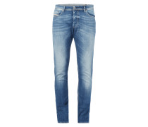 Stone Washed Slim-Carrot Fit Jeans