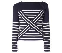 Pullover mit Zierstegen und Streifen