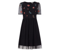 Kleid mit eingestickten Motiven