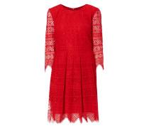 Kleid aus Spitze mit Zierborten