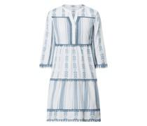 Kleid im Ethno-Look