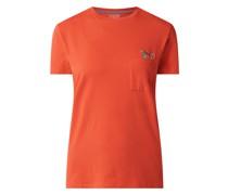 T-Shirt mit Brusttasche und Stickereien