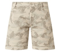 Curve Fit Chino-Shorts mit Camouflage-Muster Modell 'Jacqueline'
