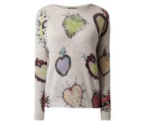 Pullover mit Herzmuster und Ziersteinen
