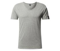 T-Shirt mit offenen Abschlüssen