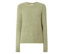 Pullover flauschigem Material