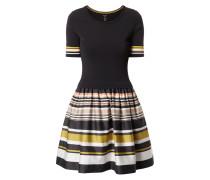 Kleid mit Streifenmuster am Rockteil