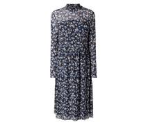 Kleid aus feinem Mesh