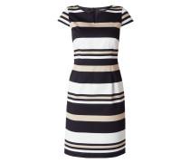 Kleid mit eingesetztem V-Ausschnitt