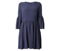 Kleid mit ausgestellten Ärmelabschlüssen
