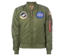 Bomber mit NASA-Aufnähern