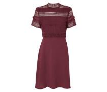 Kleid aus Krepp und Häkelspitze