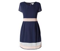 Kleid mit Taillenpasse zum Binden
