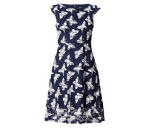 Kleid aus Spitze mit Taillenband