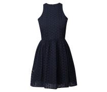 Kleid mit Lochstickereien