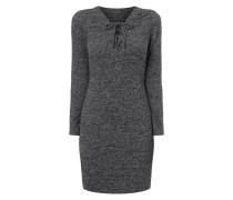 Kleid mit V-Ausschnitt und Schnürung