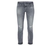 Coloured Jeans mit Destroyed-Effekten
