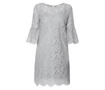 Kleid aus floraler Spitze