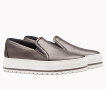 "Brunello Cucinelli Sneaker - Slip-Ons In ""Shiny Texture Leather"" Mit Detail Aus Metallfäden"
