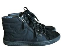 Second Hand Sneakers aus Leder in Schwarz