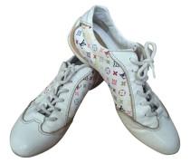 Second Hand Sneaker mit buntem Monogram-Muster